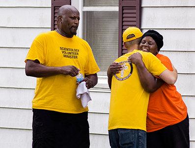 יועצים רוחניים מתנדבים זוכים להכרה על עזרה ללא תנאי