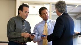 多くの企業が『しあわせへの道』の実用的な利用法を学ぶ、社内ワークショップを行っています。