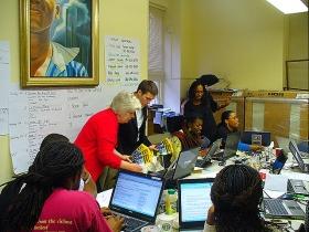 La chaînede télévision WUSA9 diffuse un reportage sur les activités des ministres volontaires de Scientology à Washington.