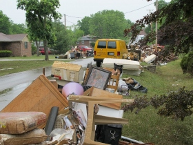 Mange hus ble ødelagt.