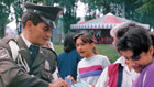 Pessoas de todas as esferas da vida — incluindo oficiais da polícia colombiana — estão a tomar responsabilidade pelo melhoramento das suas comunidades com O Caminho para a Felicidade.