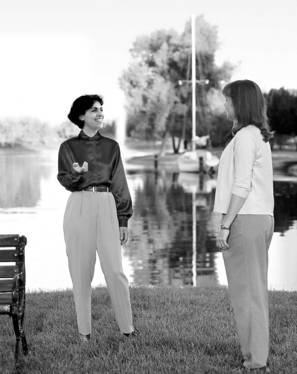 Το Εντοπιστικό Πρόσεσινγκ μπορεί να ξεκολλήσει την προσοχή από την αναστάτωση και να κάνει τη γυναίκα πιο ικανή να επιλύσει το πρόβλημα.