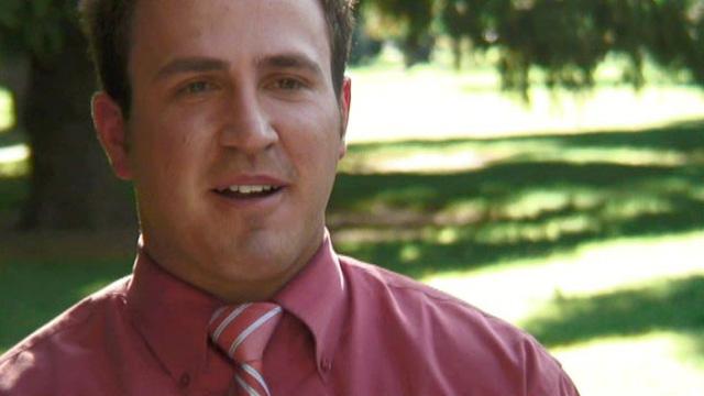 Jonathan, entrenador de baloncesto escolar