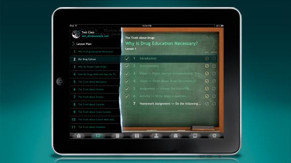 Gli insegnanti possono condurre lo studente attraverso il programma di studio, illustrato in sequenza nel Dashboard, in cui gli studenti possono compilare le risposte ai compiti assegnati e scrivere i saggi.