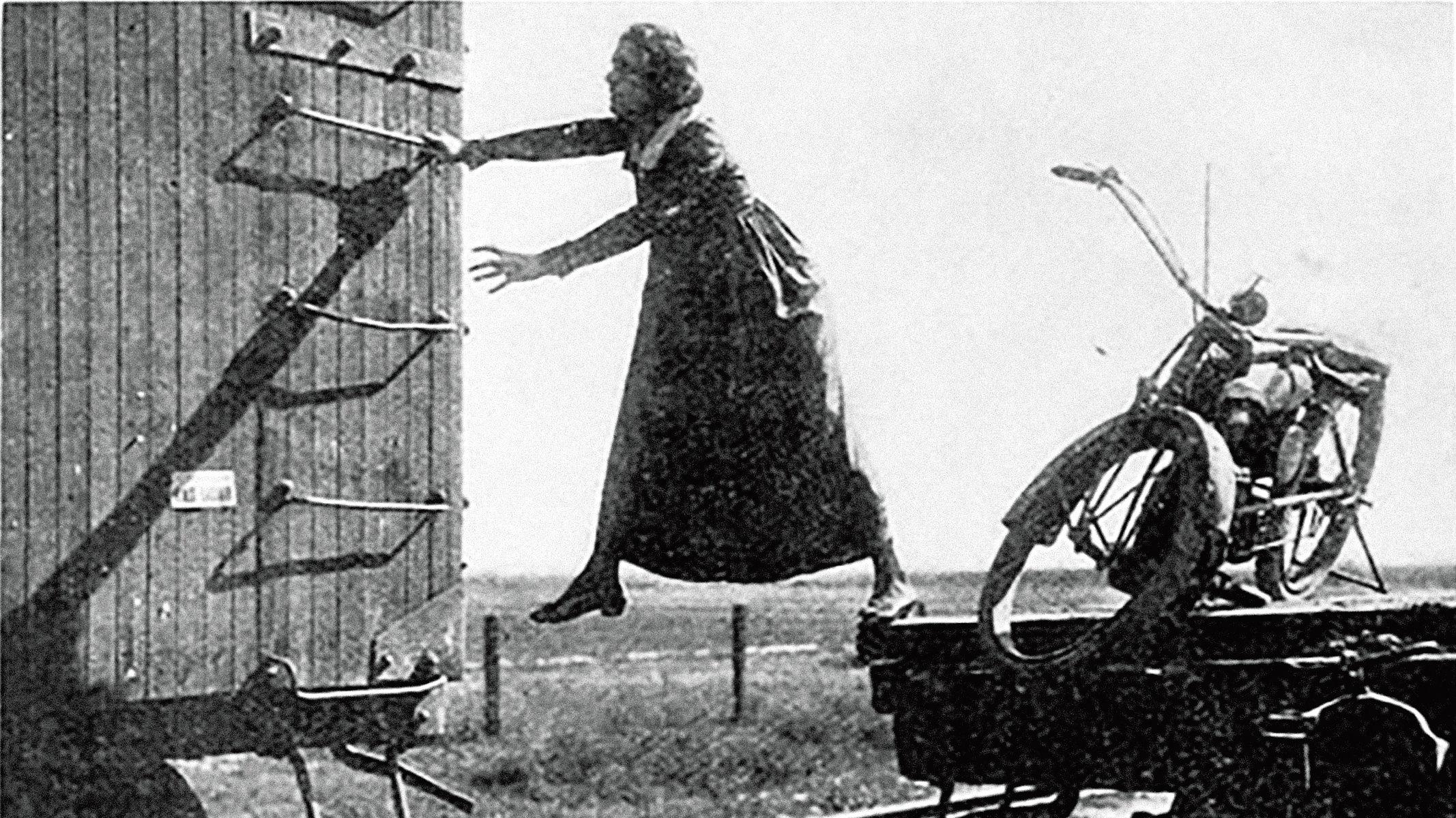 「ヘレンの冒険」、1915年