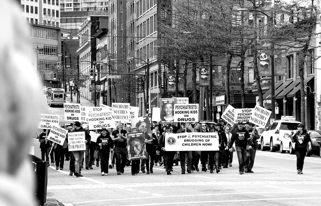 CCHR大張旗鼓的一年