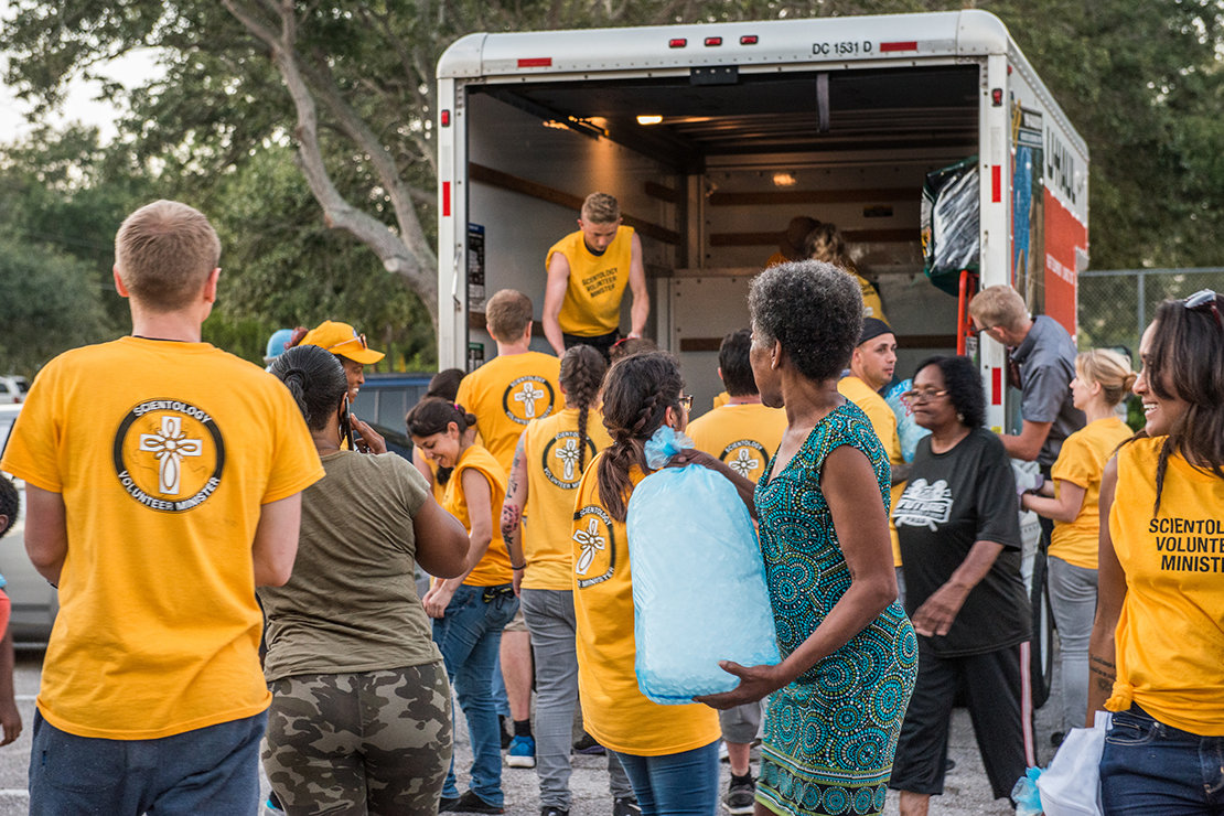 Scientology Volunteer Ministers come to the rescue of an apartment building