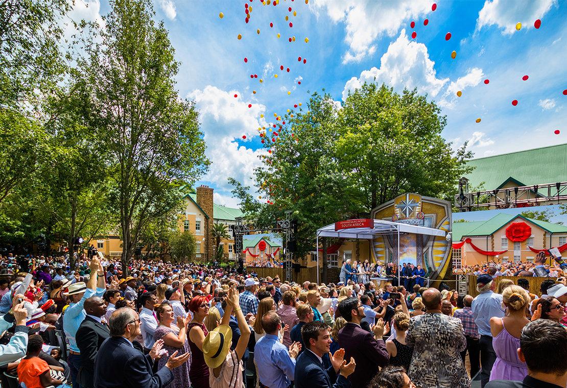 Észak-johannesburgi Scientology-egyház megnyitóünnepség
