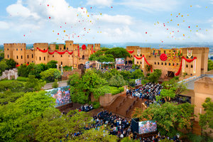 《改變之風》:  宏偉的卡拉米城堡,Scientology的非洲總部在此綻放活力
