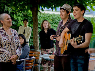 Dustin McGahee sings about human rights in Geneva, Switzerland following the 8th Annual International Human Rights Summit.