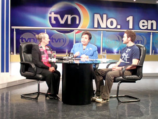 Dr. Mary Shuttleworth and Panama's youth representative, Niko Papaheraklis, were interviewed on Channel 2 (TVN), one of Panama's largest television channels