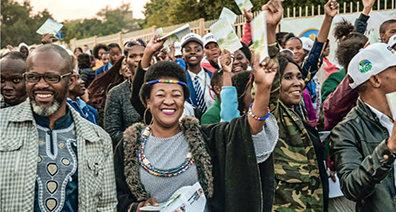 FELICIDAD Y UNA NUEVA ESPERANZA PARA LOS SUDAFRICANOS