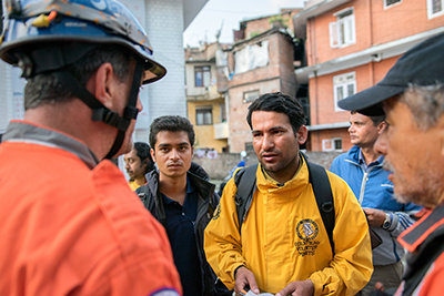 Binod Sharma organizó una increíble respuesta de alivio en la catástrofe