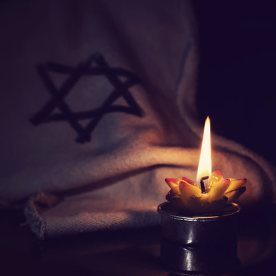 World Remembers the Holocaust