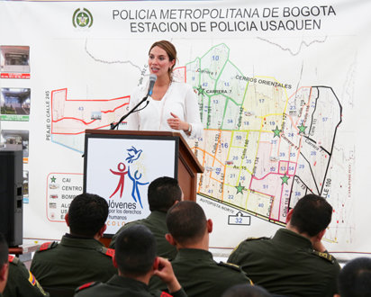 The Way to Happiness seminar fot the Bogotá police