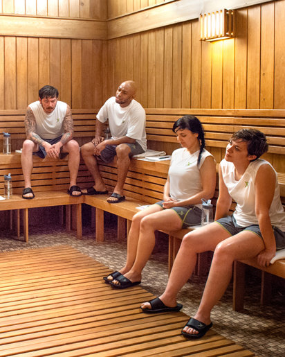 Students Periods spent in a dry-heat sauna