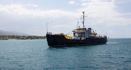 Το πλοίο, μια χορηγία της Σαηεντολογίας, φθάνει στην Αϊτή, με περισσότερους από 100 τόνους φορτίου για την προσπάθεια ανακούφισης.
