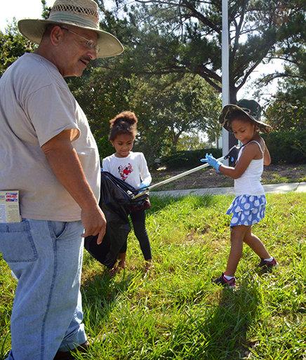 Eliseo Santana and children