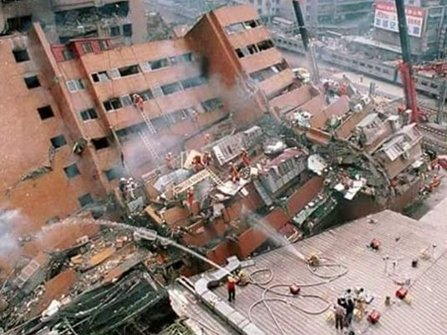 The Wei-kuan complex in Tainan collapsed during the February 6, 2016, earthquake.