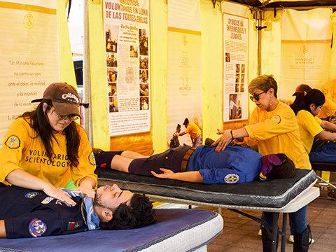 Lava och aska kan inte stoppa den hjälp Scientologys frivilligpastorer ger