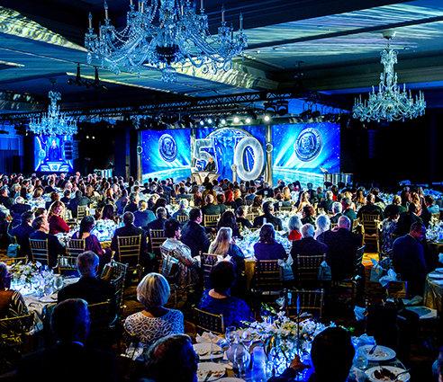 La serata di gala per il 50º anniversario del CCHR