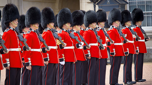 Wachen am Buckingham Palace
