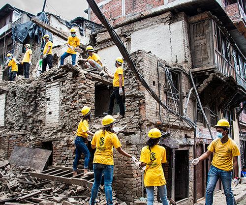 Los Ministros Voluntarios ayudan en Nepal