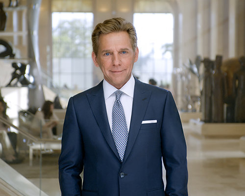 Sr. David Miscavige, líder eclesiástico de la religión de Scientology