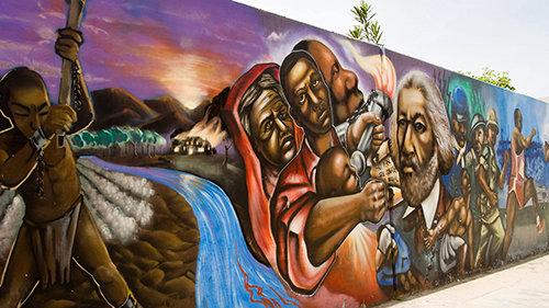 通りの壁画