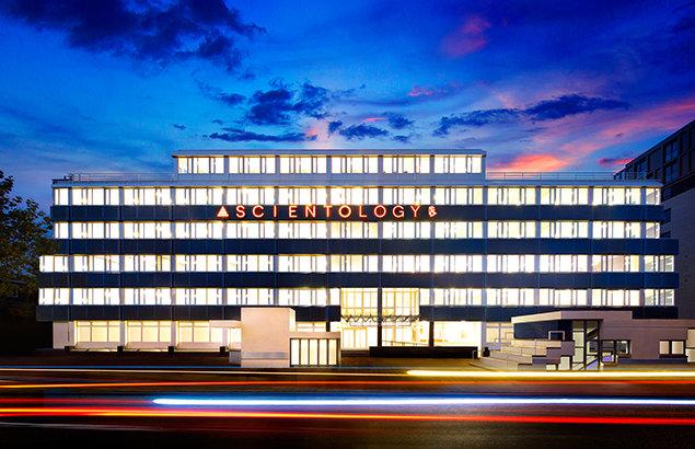 Scientology Kirche in Amsterdam. Alt und neu