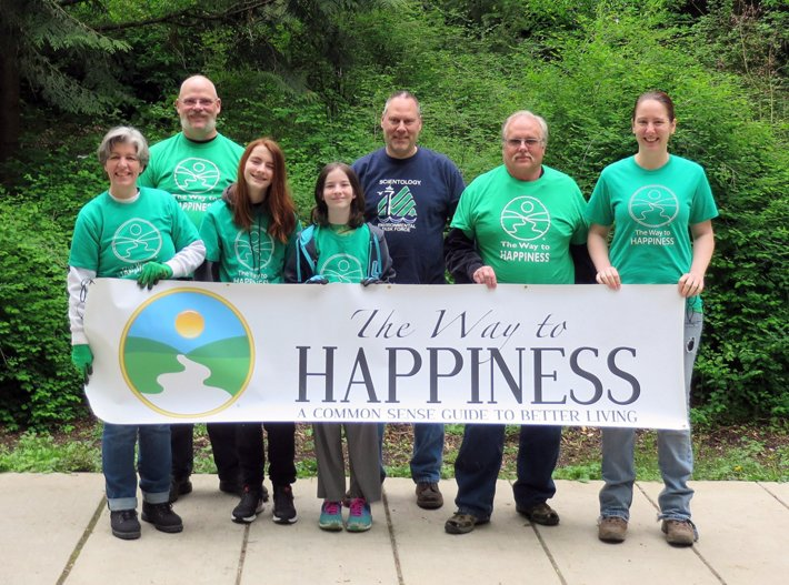 Volunteers from the Scientology Environmental Task Force and the Seattle chapter of The Way to Happiness Foundation have contributed thousands of volunteer hours to the upkeep and beautification of Seattle's Kinnear Park since adopting the park as part of the city's Adopt-a-Street program 16 years ago.