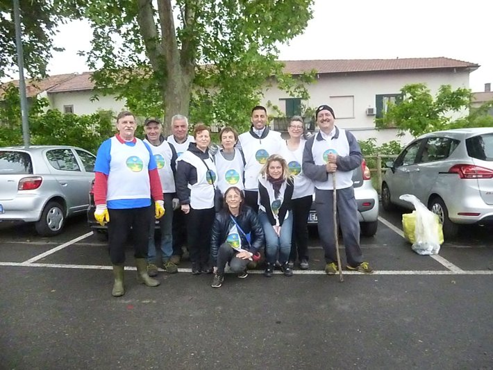 Volunteers from the Monza chapter of The Way to Happiness Foundation and the Church of Scientology of Monza