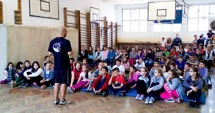 The runners carry out drug education programs in some 300 towns and cities throughout Hungary.