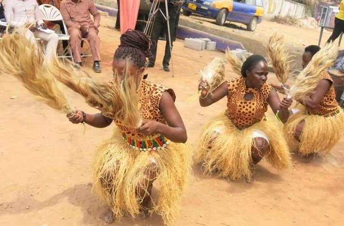 Dancers from the Kumasi Cultural Center performed a traditional Ashanti dance at the grand opening the Scientology Volunteer Ministers Goodwill Tour in Kumasi, Ghana.