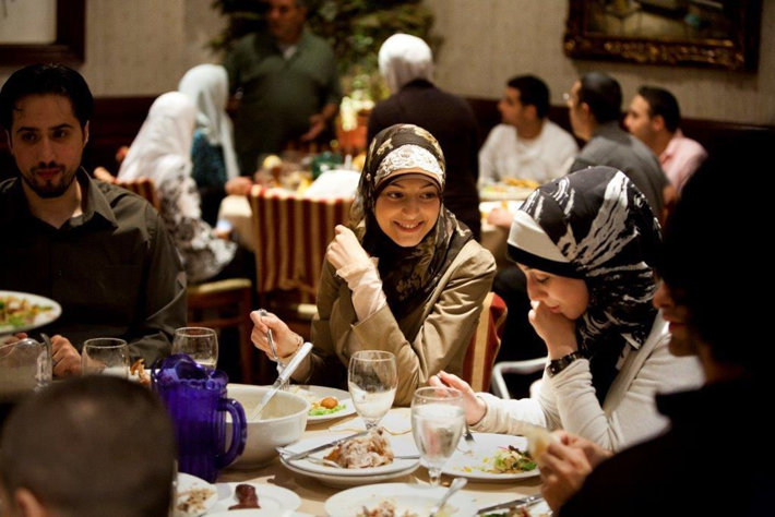 Patrons-enjoy-ifta-at-Habib-s-Cuisine-restaurant-in-Dearborn-Michigan.-Brian-Widdis-.jpg