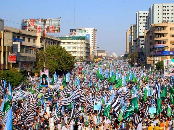 A 2011 protest in Pakistan in favor of maintaining the blasphemy law. (By Asianet-Pakistan, Shutterstock.com)