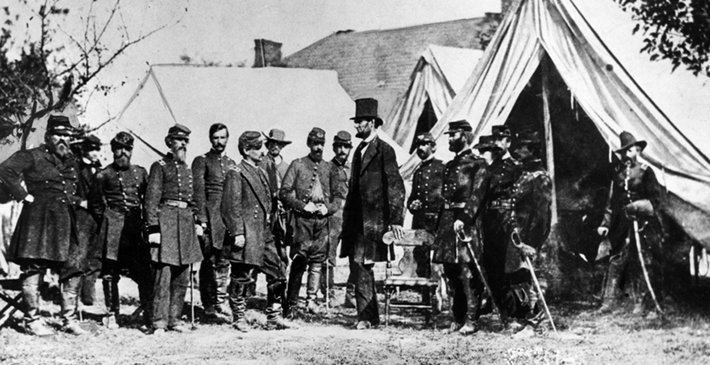 Lincoln and Union soldiers during the Civil War.