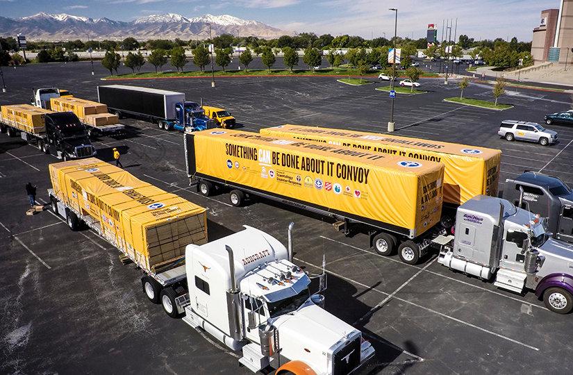 Die VMs bringen Materialien per Lastwagen
