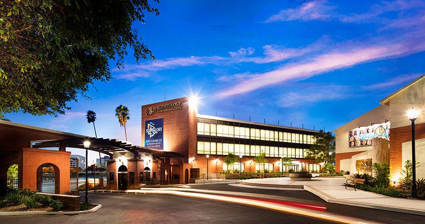 Exterior del Scientology Media Productions