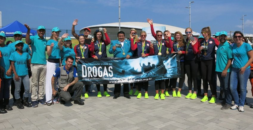 The gold-medal USA Rowing Eight team joined the Foundation for a Drug-Free World in their effort to spread the truth about drugs at the Rio Olympics.