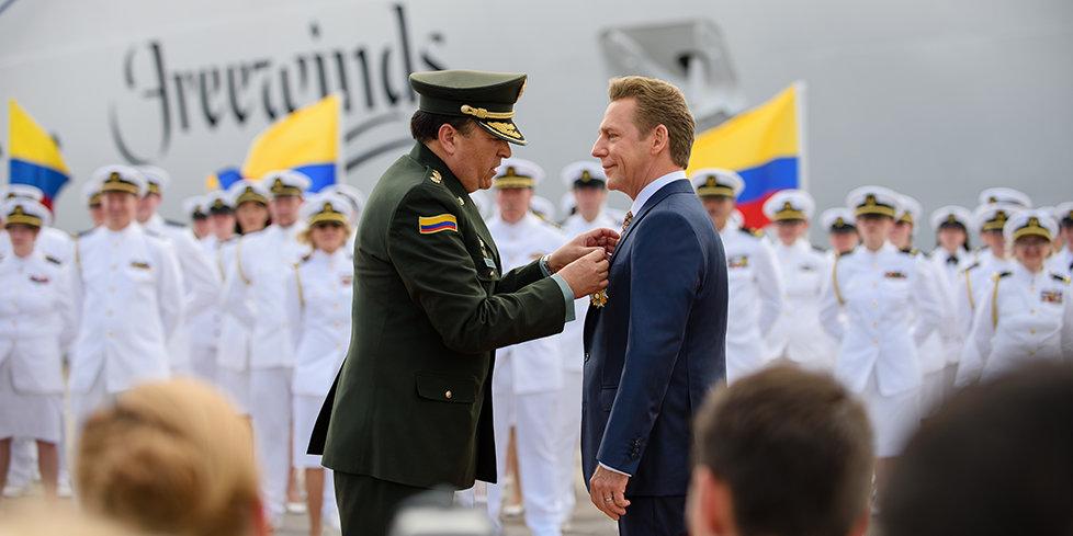 Mr. David Miscavige and General Carlos Ramiro Mena Bravo
