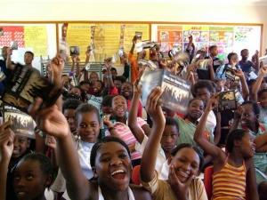 Wo immer der Lehrplan von Youth for Human Rights verwendet wird, stößt er auf begeisterte Resonanz und Beteiligung.