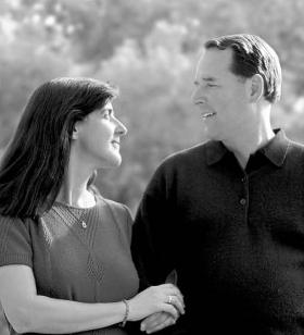 A szabad és nyílt kommunikáció létfontosságú bármely tartós és beteljesülést hozó házassághoz.