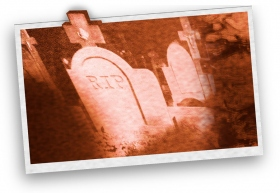 「搖頭丸使我發狂。有一天,我咬著一塊玻璃,就像是在啃蘋果;直到我滿嘴都是玻璃碎片,我才知道發生什麼事。還有一次,我花了一個小時用牙齒把布撕碎。」——安(感謝照片提供:stockxpert.com,Bigstockphoto)