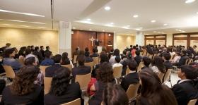 De kapel van de nieuwe Scientology organisatie wordt gebruikt voor zondagsdiensten, huwelijks-, naamgevingsplechtigheden en andere kerkelijke bijeenkomsten.