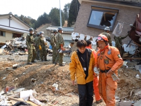 Los Topos search and rescue experts, transported to Japan by the Scientology Volunteer Ministers Corps.