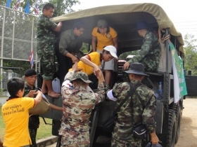 Volunteer Ministers Bringing Hope and Help to Flood Victims in Thailand