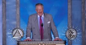 """Sr. Oscar Goodman, Alcalde de Las Vegas, Nevada: """"Como alcalde de la ciudad de más rápido crecimiento, espero trabajar en cooperación con ustedes como la religión de más rápido crecimiento. El suyo es un esfuerzo generoso pero extremadamente gratificante y uno que yo tengo en alta estima""""."""