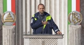 """Il signor Dino De Pasquale, manager per casi di catastrofe della Protezione Civile Italiana: """"Ho visto e vissuto la vostra efficacia, la vostra capacità organizzativa superiore, la possibilità di ottenere che qualsiasi lavoro sia fatto, non importa cosa tale lavoro comporti."""""""