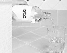 6. מלא את שארית הכוס במים פושרים או קרים.